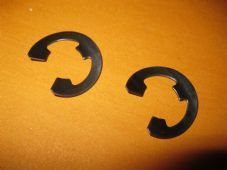 2 x LOCKHEED TYPE WHEEL CYLINDER FASTENING CLIPS, E CLIPS - UNIPART GBK1022